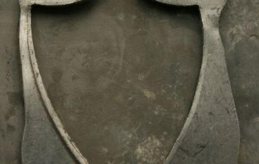 Найденные алюминиевые объекты .2011. Бромсеребряная фото печать, боритовая бумага, алюминий. 120х91